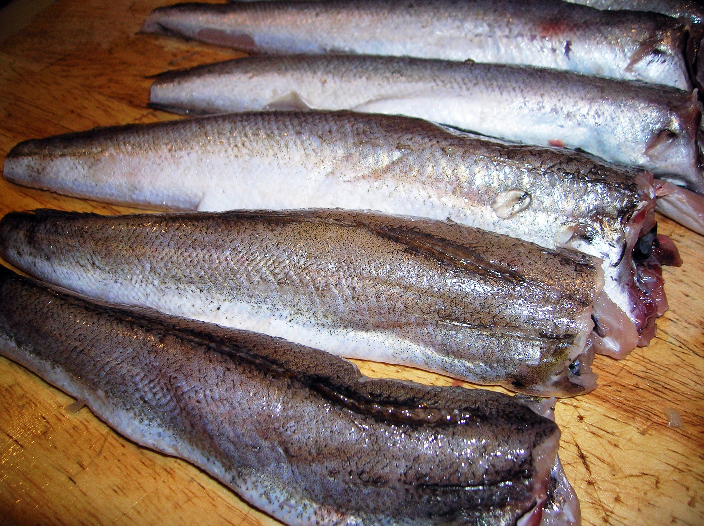 Merluzzi fritti con cipolle all aceto fried whiting with for Whiting fish picture