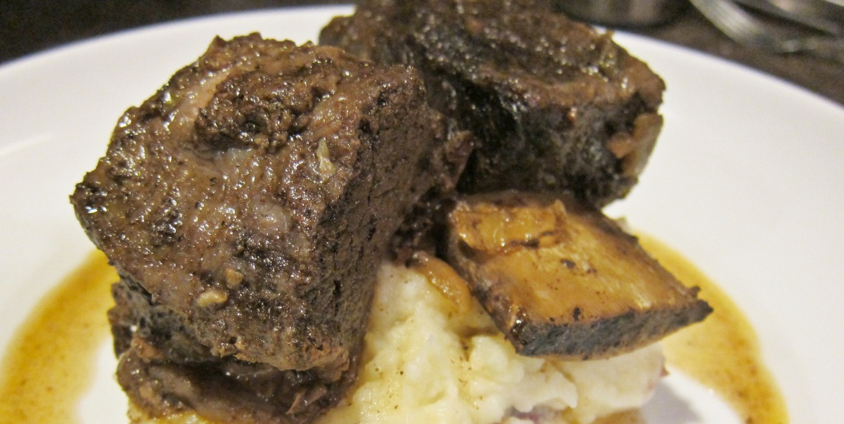 short ribs braised in coffee ancho chile sauce recept yummly ancho ...